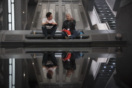J.J. Abrams y Lawrence Kasdan en el set de Star Wars 7