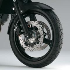 Foto 23 de 50 de la galería suzuki-v-strom-650-2012-fotos-de-detalles-y-estudio en Motorpasion Moto