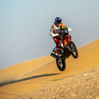 Laia Sanz agranda su leyenda en el desierto consiguiendo acabar el Dakar por décimo año consecutivo