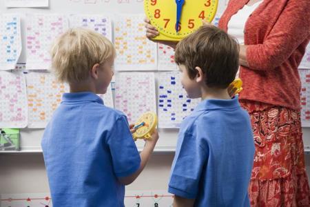 Los niños españoles salen del colegio más tarde que la mayoría de europeos