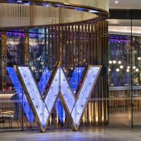 Tonos tierra y belleza salvaje en el sorprendente hotel W Brisbane en Australia