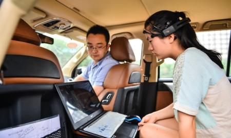 Investigadores chinos logran conducir un automóvil con el cerebro