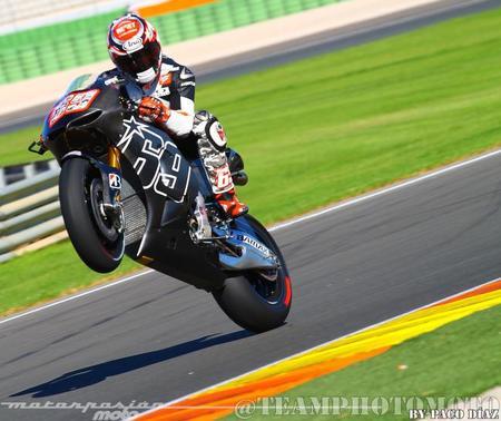 Nicky Hayden sobre su nueva moto del Power Electonics Aspar