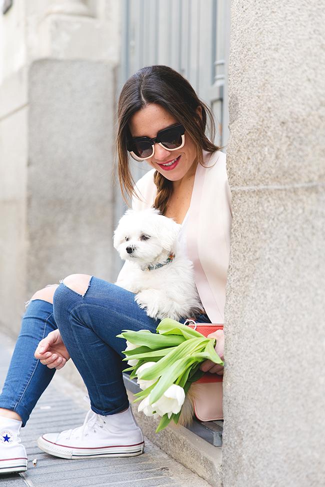 Paula Ordovás con gafas bicolor