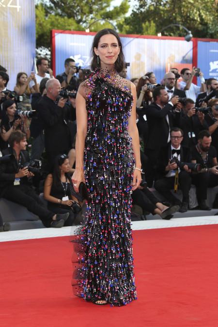 festival de cine de venecia celebrities look estilismo outfit rebecca hall