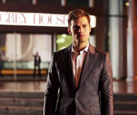 Los looks de Christian Grey