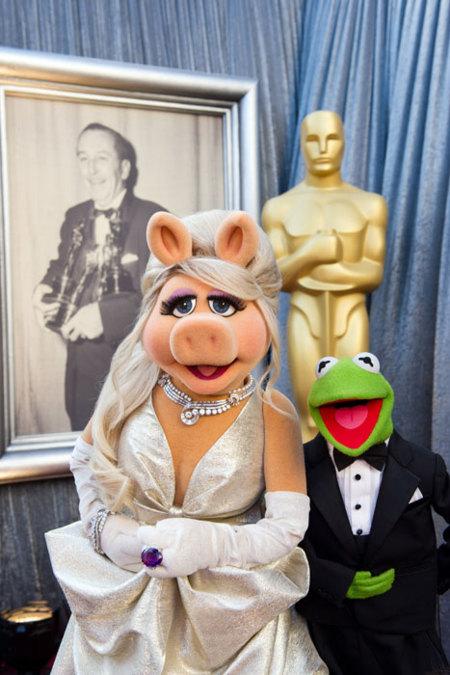 Las mascotas de los Oscar también saben lucir sus mejores galas