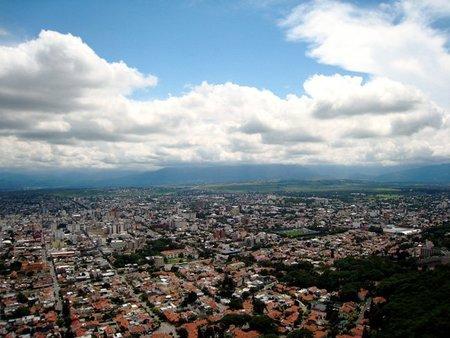 Subida al Cerro San Bernardo en Salta (Argentina)