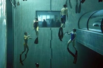 La piscina más profunda del mundo tiene 14 plantas y está en un pueblecito italiano