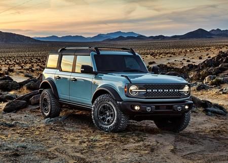 Ford Bronco 4 Door 2021 1600 01
