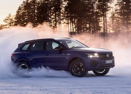 Volkswagen Touareg R 2021 1600 1f
