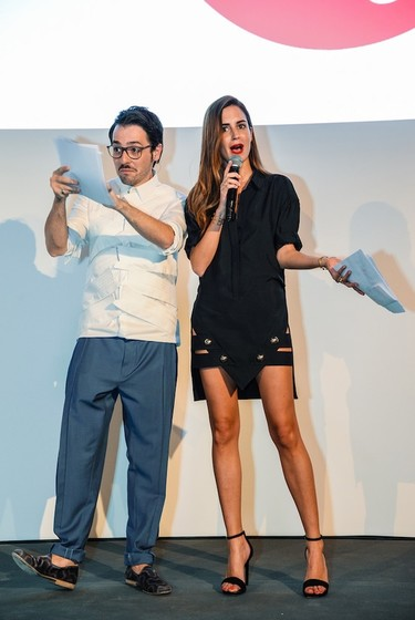 ¿Quién luce mejor las faldas de Anthony Vaccarello?