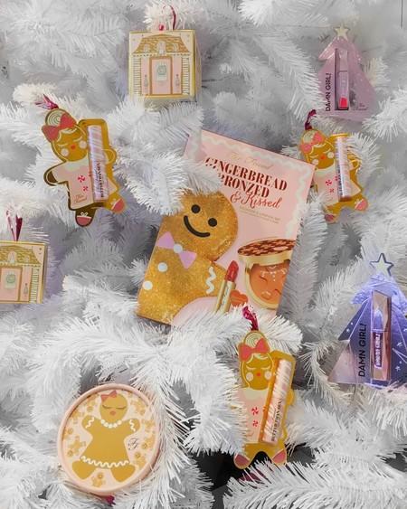 Esta Navidad decoramos el árbol con estos 13 adornos de Sephora que también sumarás a tu maquillaje