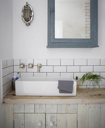 Una c lida y acogedora vivienda en londres - Colores de azulejos para banos ...