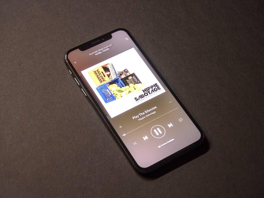 Spotify provoca un consumo excesivo de la batería en iOS℗ 15: la compañía ya lo está investigando