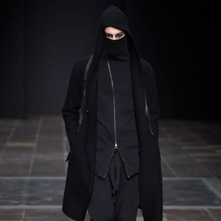 En tendencia: Cárdigans con capucha para recibir al otoño