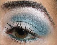 Looks de fiesta, ojos en azul y plata
