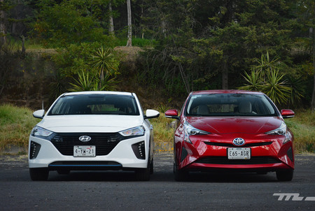 Hyundai Ioniq Vs Toyota Prius 3