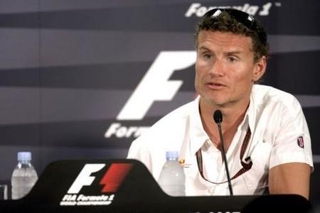 David Coulthard piensa en volver a la competición en el DTM