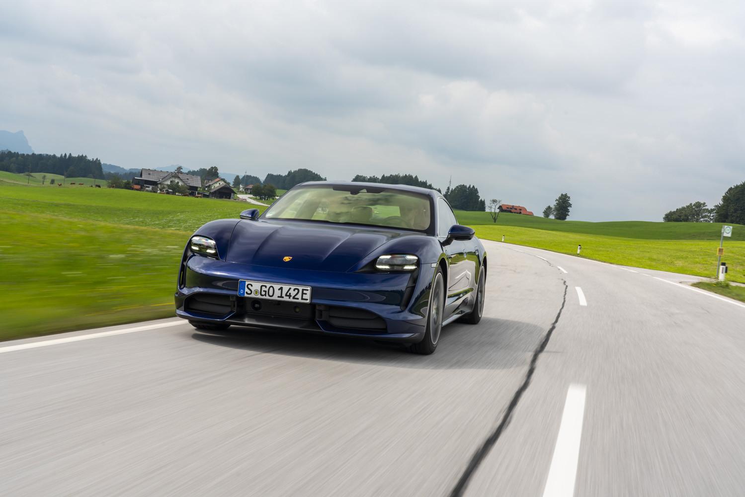 Foto de Porsche Taycan prueba contacto (59/275)