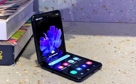 Samsung Galaxy Z Flip, primeras impresiones: Samsung hace los deberes con este móvil plegable literalmente de bolsillo