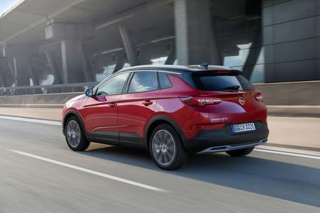 Opel Grandland X Hybrid4 2