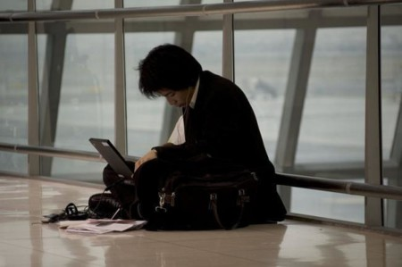 Nueva normativa: Batería de litio de Ordenadores, tablets y móviles sólo podrán volar como equipaje de mano