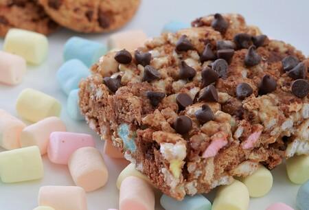 Cuadritos de arroz inflado con galletas: el snack perfecto para este regreso a clases. Receta fácil y rápida para hacer en casa