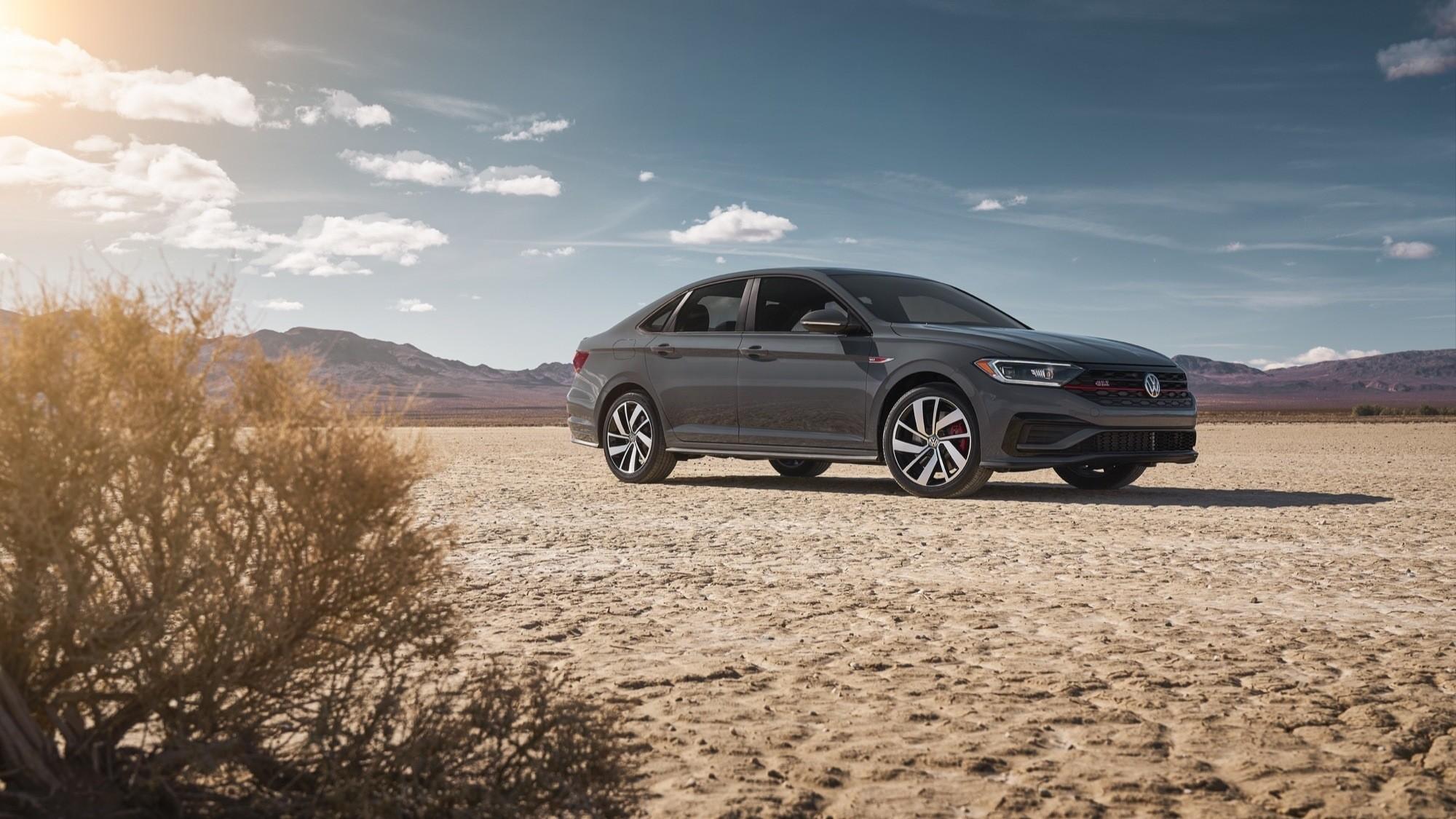 Foto de Volkswagen Jetta GLI 2020 (11/27)