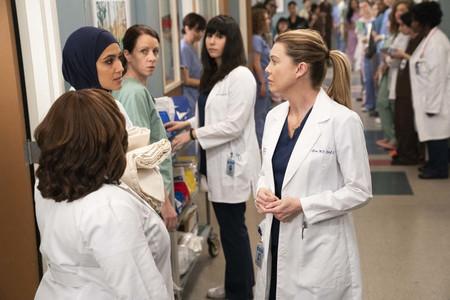 'Anatomía de Grey' renueva por su temporada 17 y logra un récord: el drama médico más longevo de la televisión