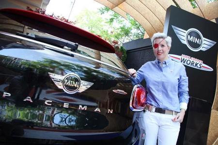 María de Villota, su nueva meta es la seguridad vial