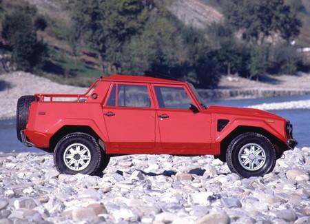 Lamborghini Lm002 40