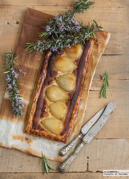 Tarta de peras con crema de almendra y sirope de arce
