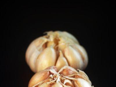 Seis trucos para los que aman el ajo, pero les repite