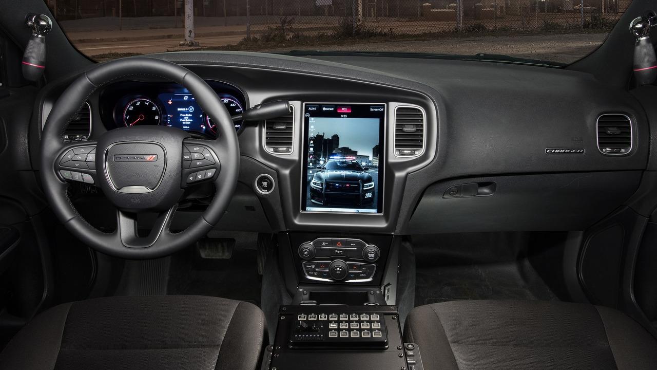 Foto de Dodge Charger Pursuit California HP (17/20)