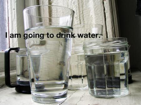 Beber más agua esta asociado a numerosos beneficios a la salud y dieta