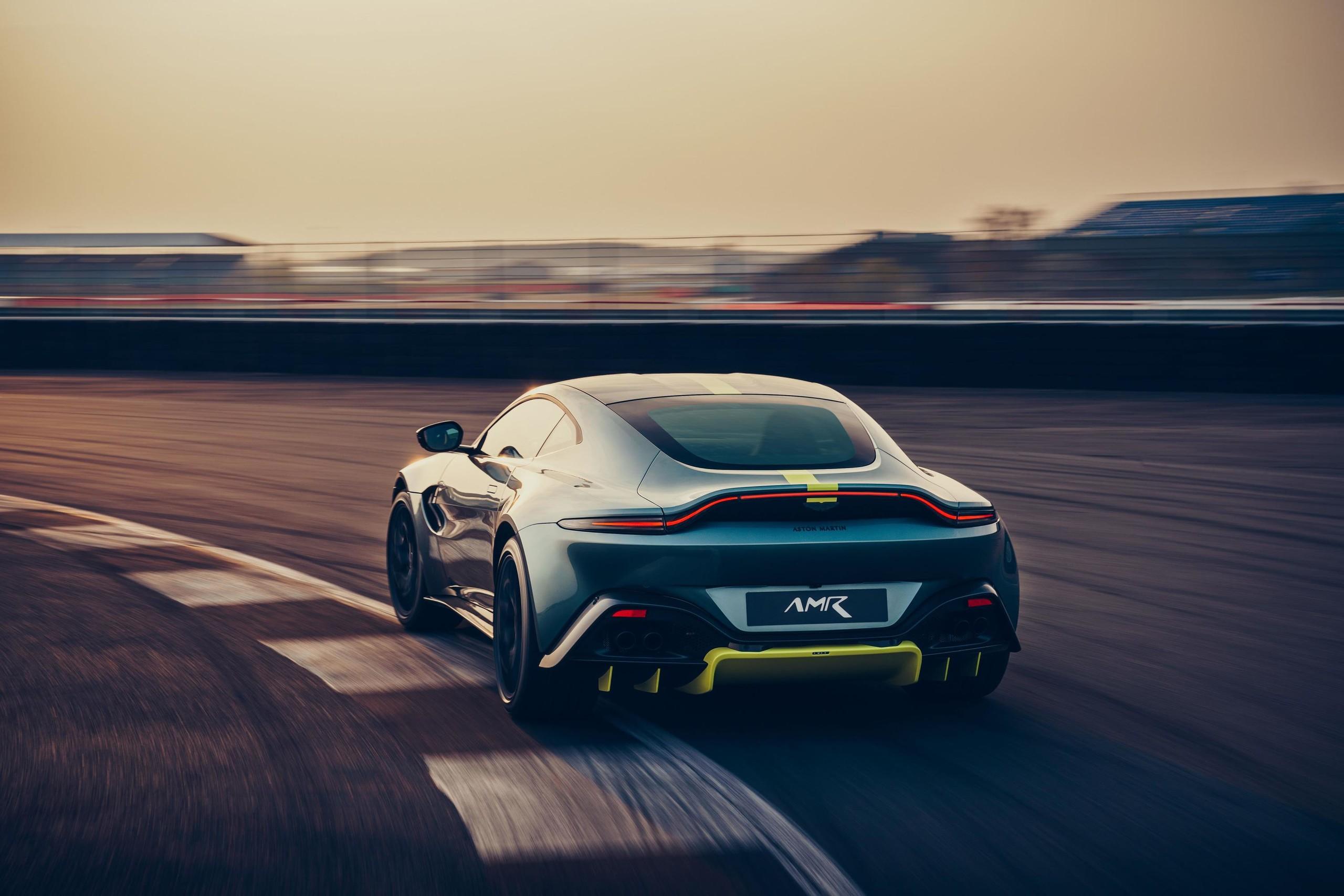 Foto de Aston Martin Vantage AMR (2/14)