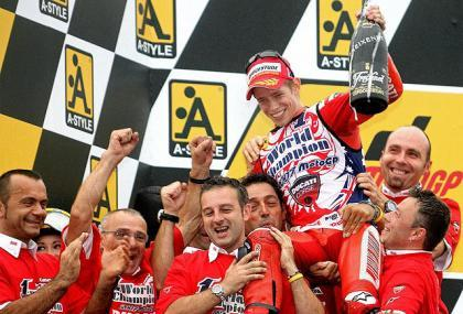 """2007: el año que """"David"""" Stoner se cargó a todos los Goliats de MotoGP"""