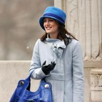 Dos perfectos looks de invierno en tonos de primavera, por Leighton Meester