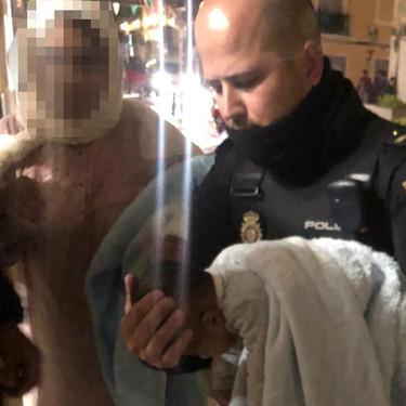 Un policía logra salvar la vida de un bebé de dos meses tras 20 minutos de reanimación
