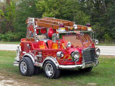 El mini-camión de bomberos de George Barris a la venta