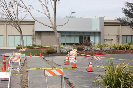Se escucha 'ruido de motores' en un centro secreto de Apple y se desatan los rumores