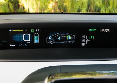 Toyota Prius Prime 2017 1280 41