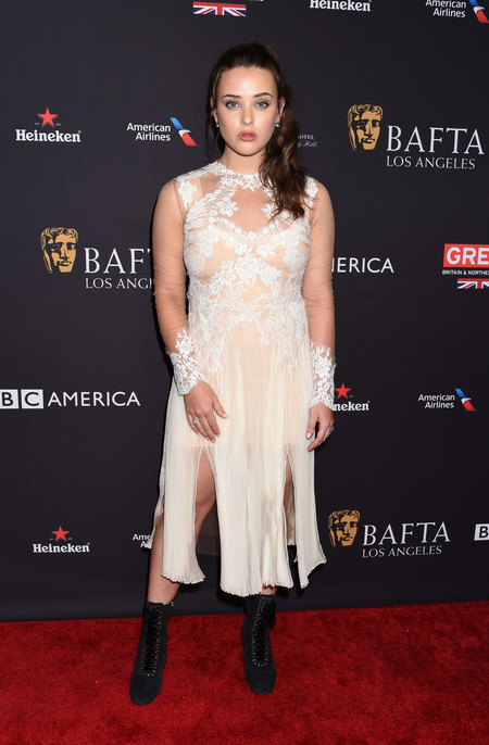 tea party bafta alfombra roja Katherine Langford