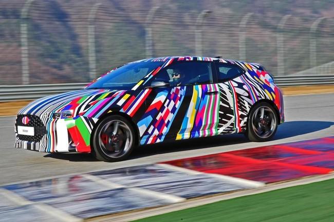 ¡Espiado! El nuevo Hyundai Veloster ya se pasea sin camuflaje