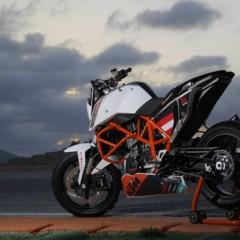 Foto 30 de 31 de la galería ktm-690-duke-track-limitada-a-200-unidades-definitivamente-quiero-una en Motorpasion Moto