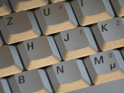 Cómo eliminar el autocorrector y las sugerencias del teclado en el iPhone