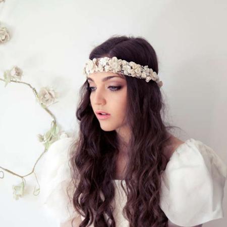 Corona de flores de Lucía Be