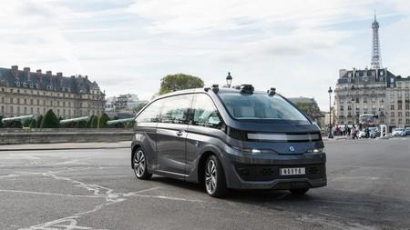 A París le costará caro inundar sus calles con taxis autónomos: el 'robotaxi' de Navya, desde 250.000 euros