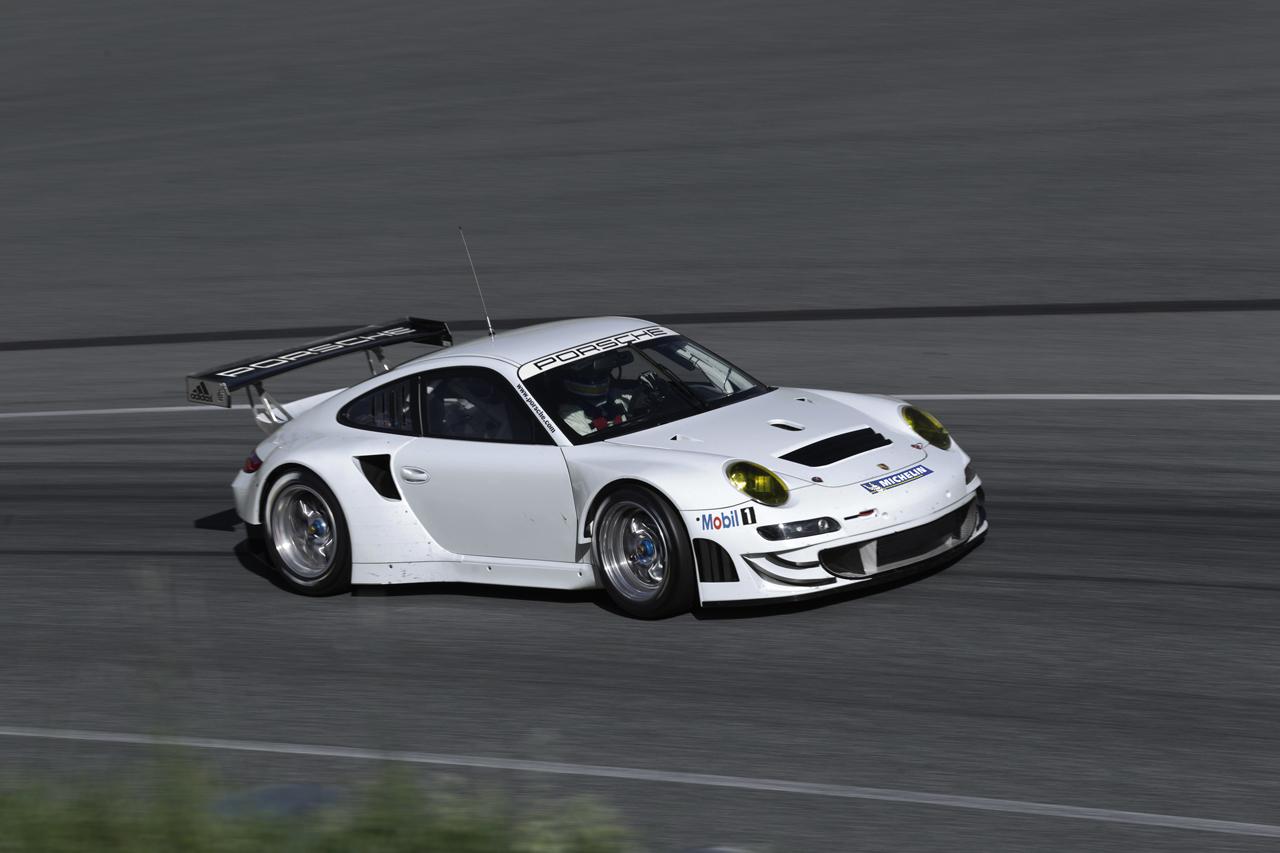 Foto de Porsche 911 GT3 RSR 2012 (6/18)